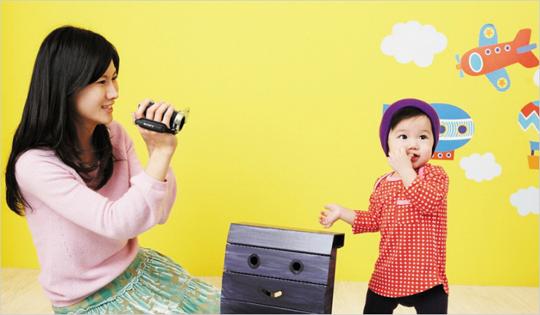 소니 코리아, 초소형 사이즈에 성능과 디자인까지 겸비한 풀HD 핸디캠 신제품 2종 출시