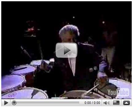 라틴음악의 황제 티토 퓨엔테와 함께 연주하는 데라루즈